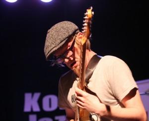 Krokofant gitarist Tom Hasslan under YNJC 2014 (foto: Pål Buset)