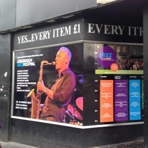 Festivalplakater med Petter Wetter preget Aberdeen under jazzfestivalen (foto: Tore Flesjø).