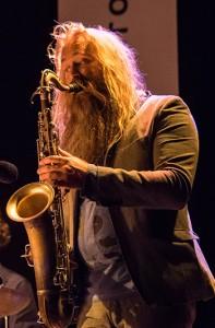 Trygve Seim - tilbake med Helsinki Songs, et sterkt nytt band som hadde nesten-premiere under Oslo Jazzfestival.  Foto: Terje Mosnes.