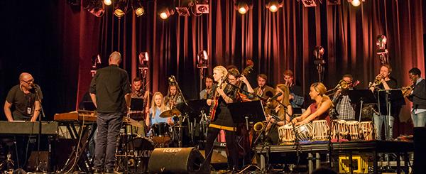Bugge Wesseltofts 2016-utgave av New Conception of Jazz og Bjergsted Jazzensemble ledet av Tore Johansen skapte feststemning i Folken. (foto: Terje Mosnes)