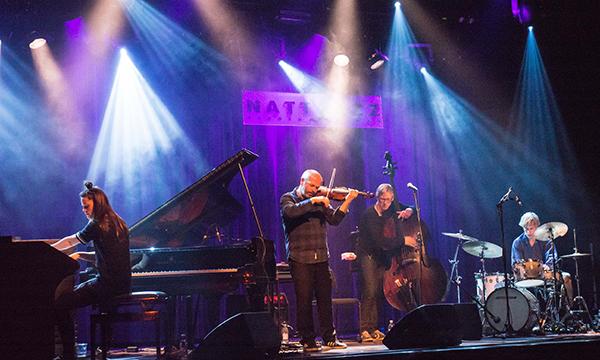 Moskus, med Anja Lauvdal på piano og orgel, Fredrik Luhr Dietrichson på kontrabass og  Hans Hulbækmo på trommer og sag, sammen med fiolinist Nils Økland. (foto: Terje Mosnes)