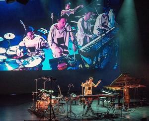 Jacob Collier – et begeistrende musikalsk fenomen i høyteknolgisk skrud. (foto: Terje Mosnes)