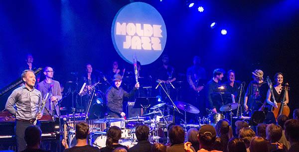 I mål: Espen Berg og Trondheim Jazzorkester etter endt dyst. Foto: Terje Mosnes