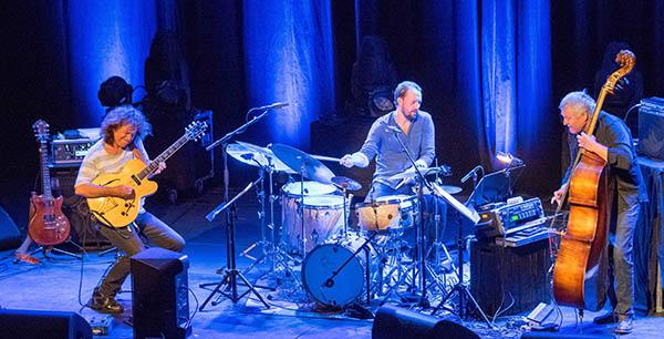 TOPP: Triokonsert som ga gjenlyd: Pat Metheny, Gard Nilssen, Arild Andersen. Foto: Terje Mosnes