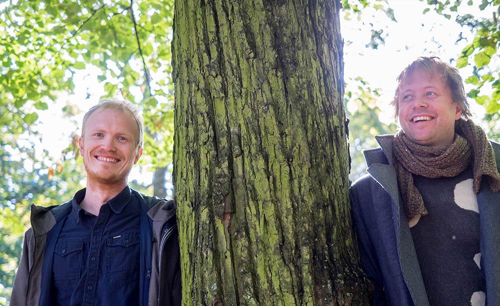 SOFA-sjefer siden 2010: Martin Taxt (tv) og Kim Myhr i et høstlig Oslo. Ingar Zach var hjemme i Madrid da bildet ble tatt. Foto: Terje Mosnes