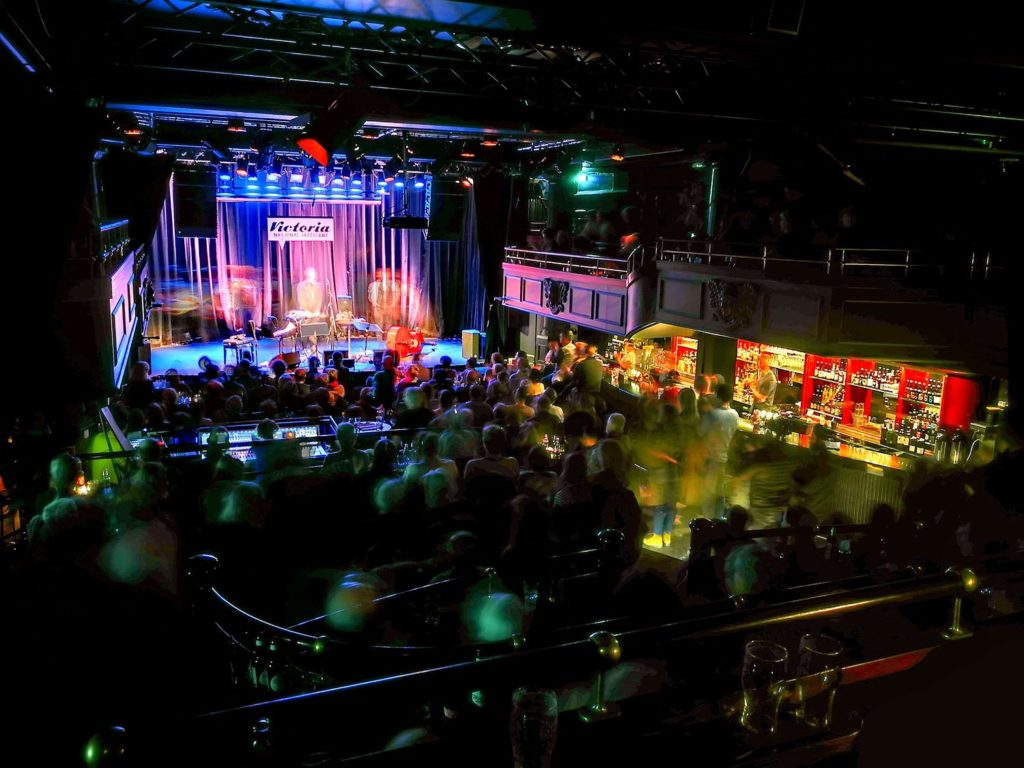 Nasjonal jazzscene har holdt til i det gamle teatret Victoria i ti år. På bildet: Håkon Kornstad Trio 1. mars 2018. Foto: Francesco Saggio