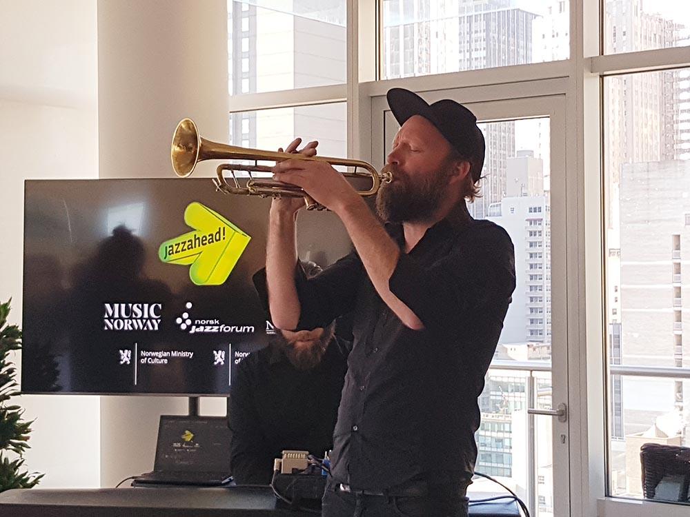 Mathias Eick spilte under lanseringen i New York. Mathias Eick Quintet skal spille på den norske gallakonserten på jazzahead! i april. Foto: Camilla Slaattun Brauer