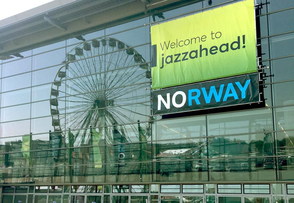 jazzahead! ønsker velkommen på messehallens inngangsparti. Foto: Aslak Oppebøen
