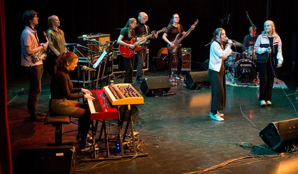 Sterke, formidlande vokalistar og instrumentalistar frå Stavanger Katedralskole. Foto: Odd Opsahl Nielsen/Maijazz