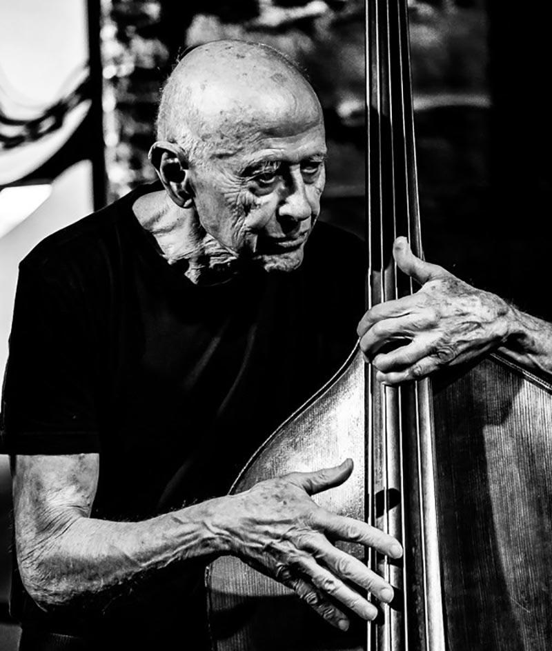 Barre Phillips. Fotot: Peter Gannushkin