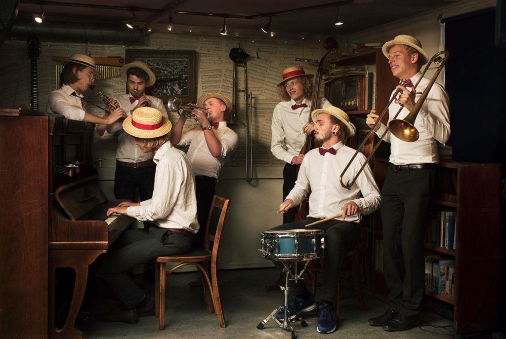 Swing'it Dixieband tar publikum med til 1920-tallets New Orleans. Foto: presse