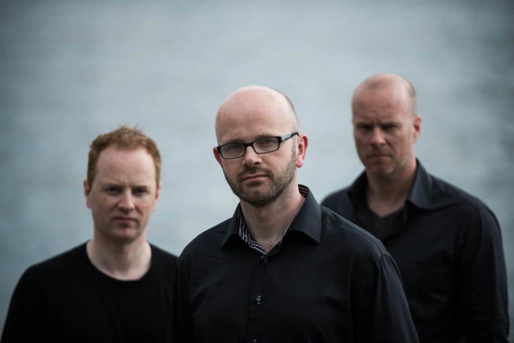 Eivind Austad Trio, fra venstre: Håkon Mjåset Johansen, Eivind Austad og Magne Tormodsæter. Foto: Bjarne Øymyr