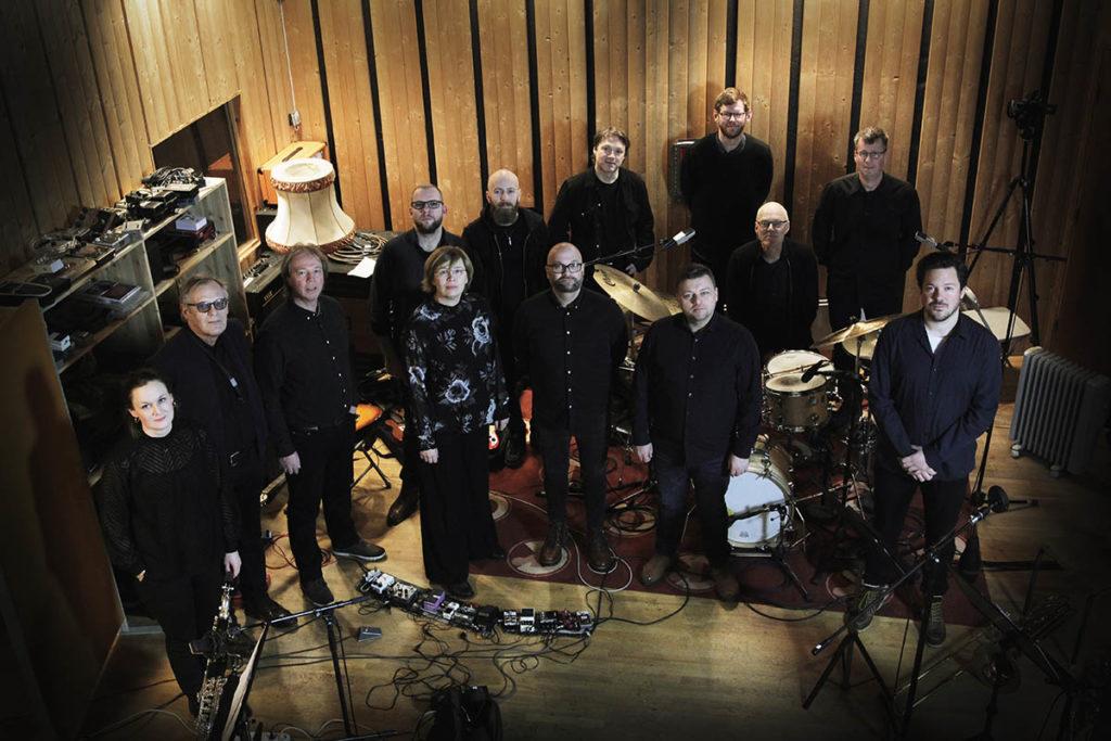 Scheen Jazzorkester kommer denne uka med nytt verk av Magne Rutle. Fredag spiller de i Larvik, lørdag på Jazzfest Skien og søndag i Oslo Foto: Sigurd Ytre-Arne