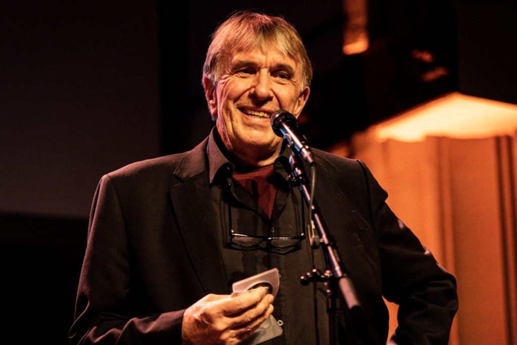 Per Husby ble tildelt prisen under konserten «Prøysen tel by'n» i Kulturkirken Jakob 23. november. Foto: Mathias Skjellan