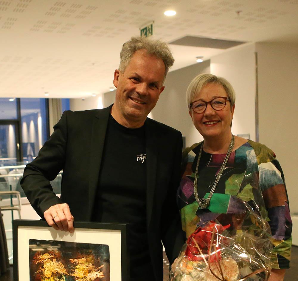 Jan Gunnar Hoff og fylkesråd Kirsti Saxi. Foto: Thor-Wiggo Skille