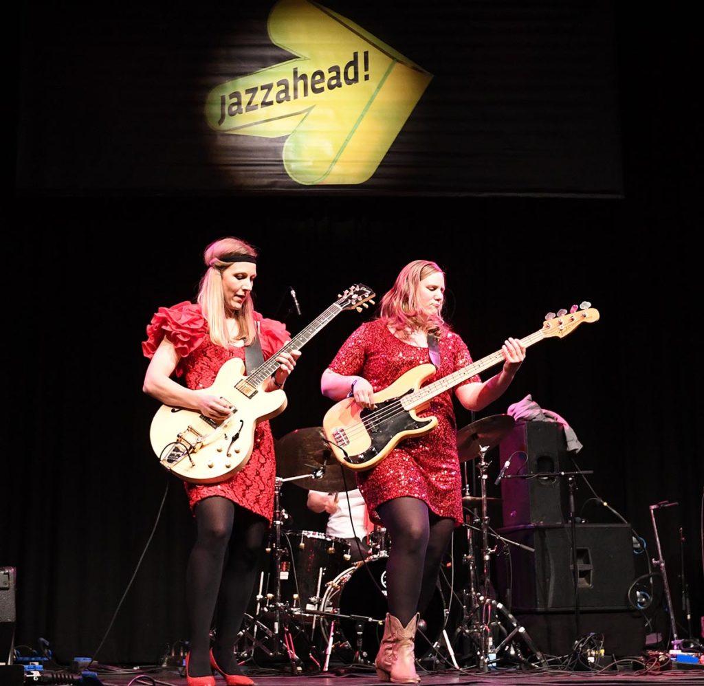 Hedvig Mollestad Trio løftet taket på Kulturzentrum Schlachthof under Norwegian Night. Foto: Carmen Jaspersen
