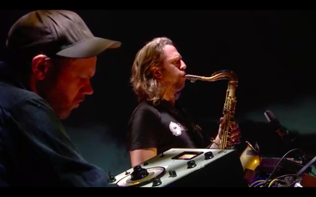Jørgen Træen og Kjetil Møster debuterte med bandet Reformasjonen på Vossa Jazz' strømmekonsert 3. april. (skjermdump)