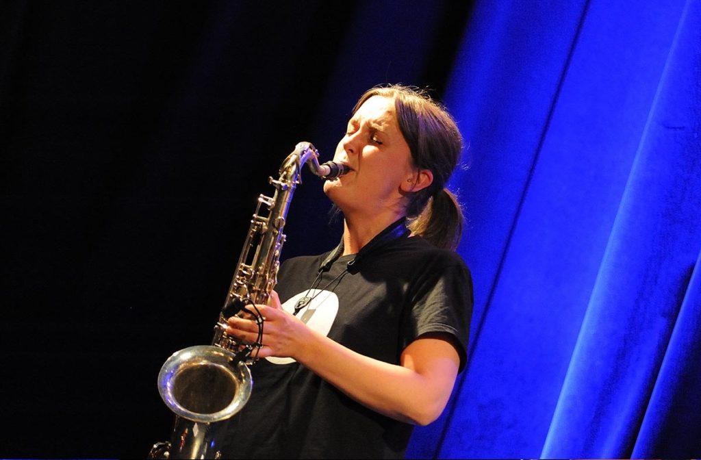 Hanna Paulsberg og det nye bandet Flukten spilte sin første konsert på Nasjonal jazzscene. Foto: Kerstin Siemonsen