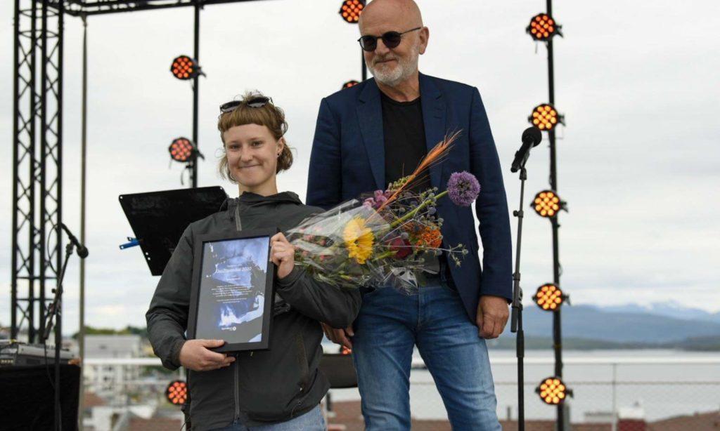 Stipendiatvinner Signe Emmeluth og Per Oskar Olsen fra Sparebank 1 SMN. Foto: Petter Sele/Moldejazz