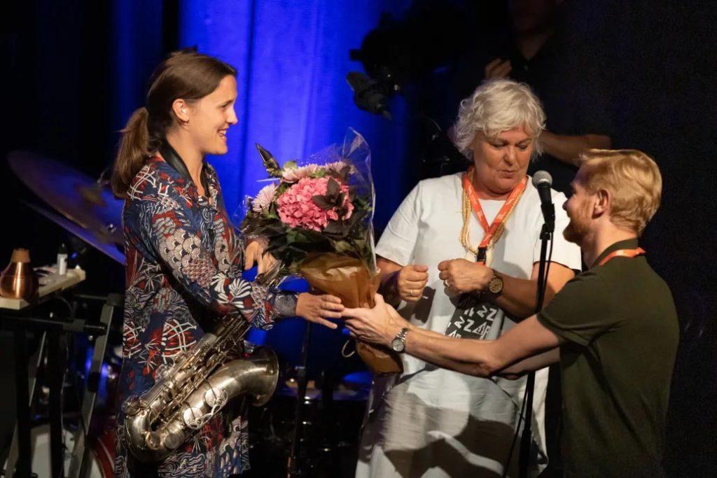 Fra venstre: Hanna Paulsberg, Ellen Horn, (Oslo Jazzfestivals styreleder) og festivalsjef Øyvind S. Larsen. Foto: Matija Puzar