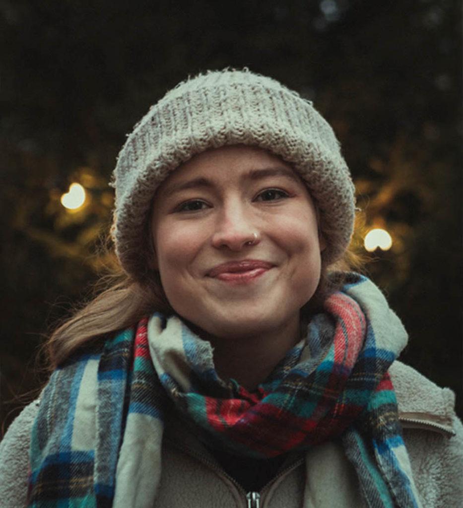 Sofie Tollefsbøl gleder seg til grendehusfest i romjul.  En låt på den nye Fieh-plata er direkte inspirert av Eina Grendehus, og har arbeidstittel