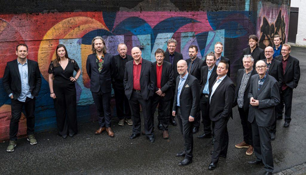 Bergen Big Band i jubileumsåret. Magne Thormodsæter foran til venstre. Foto: Sissel Grønlund