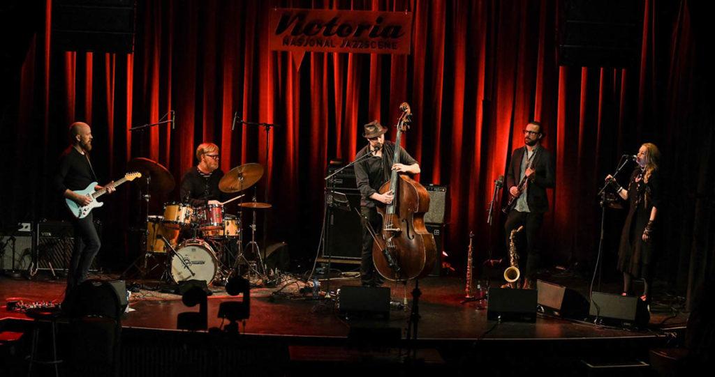 Steinar Raknes & The Stillhouse Band. Foto: Stein Hødnebø.