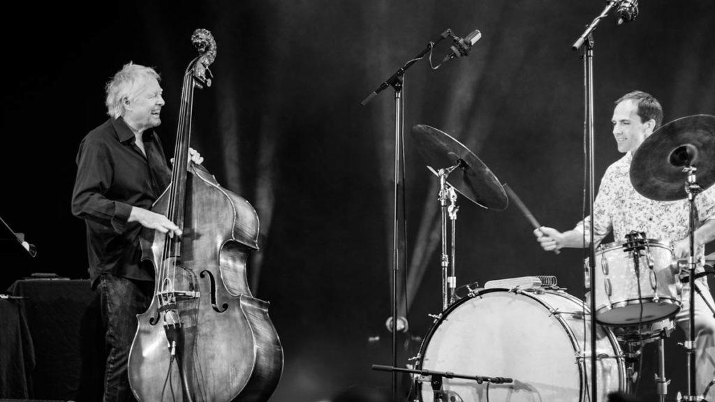 Bassjubilant Arild Andersen og trommeslager Thomas Strønen. Foto:Justyna Bjerknes/Kongsberg Jazzfestival