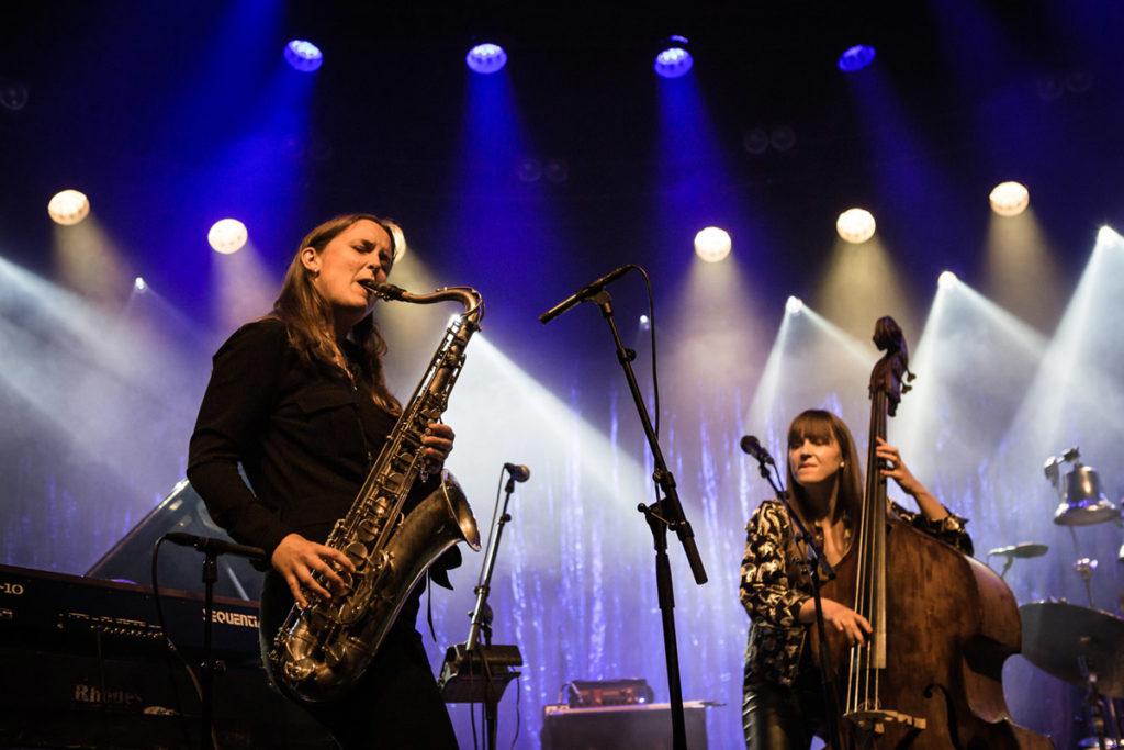Hanna Paulsberg dukket opp som gjest hos Ellen Andrea Wang Trio. Foto: Ole B. Steinsvik/Moldejazz