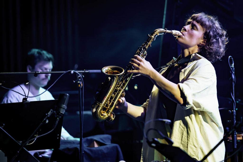 Fjorårets Jazzstipendiat Signe Emmeluth med Trondheim Jazzorkester. Foto: Thor Egil Leirtrø