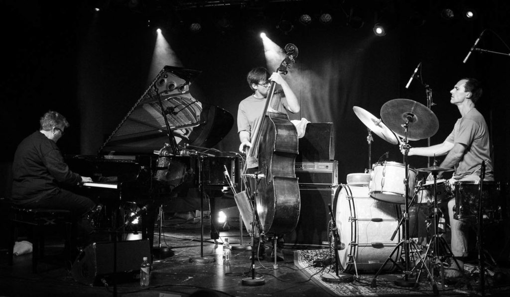 Maria Kannegaard, Ole Morten Vågan og Thomas Strønen. Foto: Morten Kolve/Kongsberg Jazzfestival