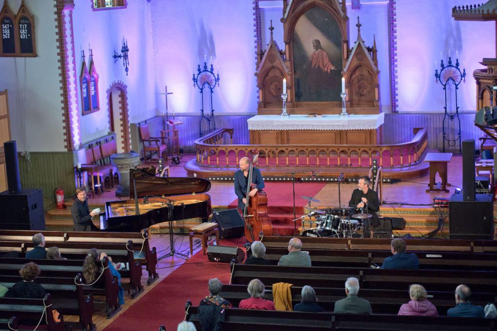 Espen Eriksen Trio i Vår Frelsers kirke. Foto: Tommy Neverdal/Sildajazz