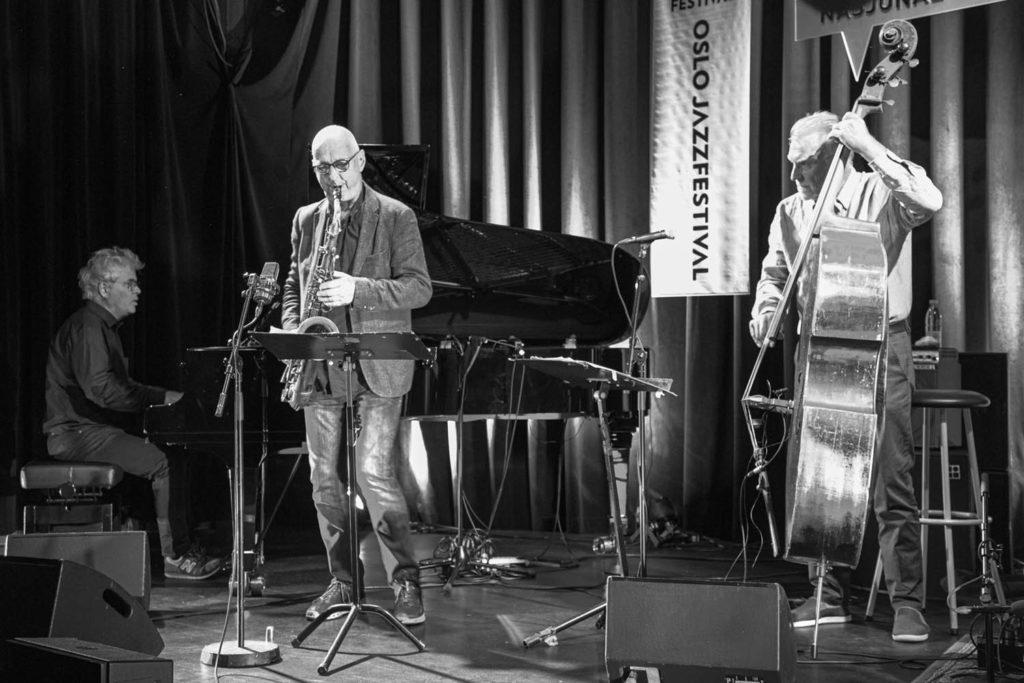 Vigleik Storaas, Knut Riisnæs og Bjørn Alterhaug. Foto: Harald Opheim/Oslo Jazzfestival