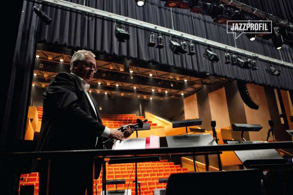 Marius Stenberg, manager og produsent for Prime Time Orchestra, var med å starte opp storbandet for 40 år siden. Foto: Prime Time Orchestra