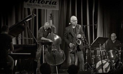 Knut Riisnæs Kvartett på sørnorsk-turné