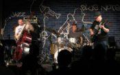 Super Trio Deluxe på Sekkefabrikken