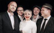Bakgårdsjazz med Hilde Louise Asbjørnsen Orchestra