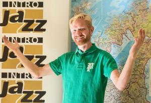 Juryleder Øyvind Skjerven Larsen ønsker unge musikere over hele landet velkommen til Norsk jazzforum og GRAMOs Jazzintro 2016. Utlysning og påmeldingsskjema ligger her.  Foto: Terje Mosnes