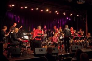 Beate Elstad med SheBop Big Band uner Romerike Storbandfestival (foto: Hakvor Gudim)