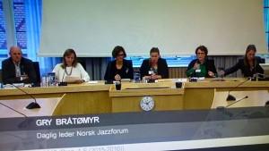 Gry Bråtømyr direkte på Stortingets nett-TV. Lenker til opptakene finnes lengre ned i saken.